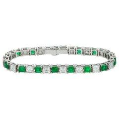 Important Emerald and Assher-Cut Diamond Line Bracelet