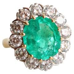 Emerald Ring 4.53 Karat in 18K Yellow Gold, 18K White Gold, Diamonds