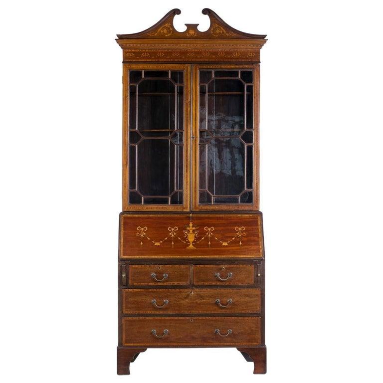 Important English Secretary, 19th Century For Sale