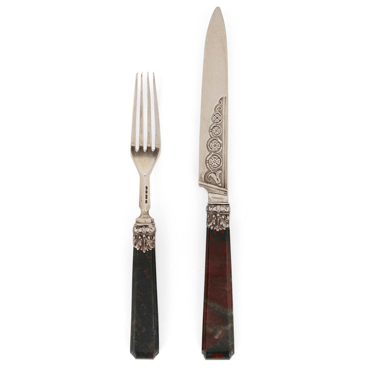 Important English silver flatware service by Francis Higgins II English, 1840 Knives: Height 20cm, width 2cm, depth 1cm Forks: Height 16.5cm, width 2cm, depth 1cm  This superb flatware service was crafted by the esteemed silversmith Francis