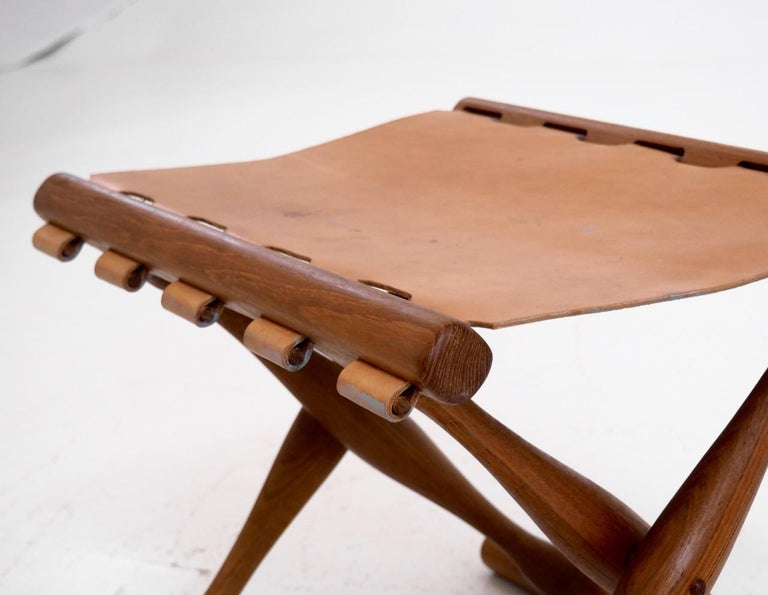 Mid-Century Modern Important Folding Stool by Poul Hundevad in Teak and Leather For Sale