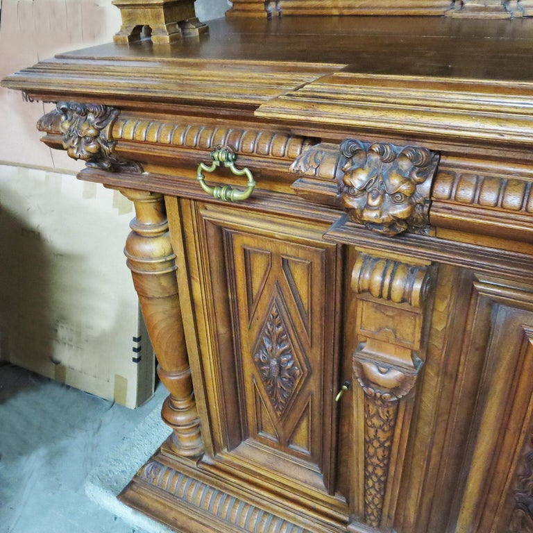 Important Italian Renaissance Sideboard Cabinet, Late 19th Century For Sale 2