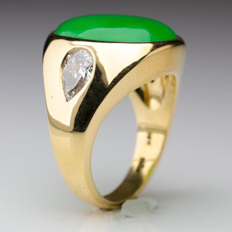 Important Jade Ring with Diamonds Midcentury Untreated For Sale 5