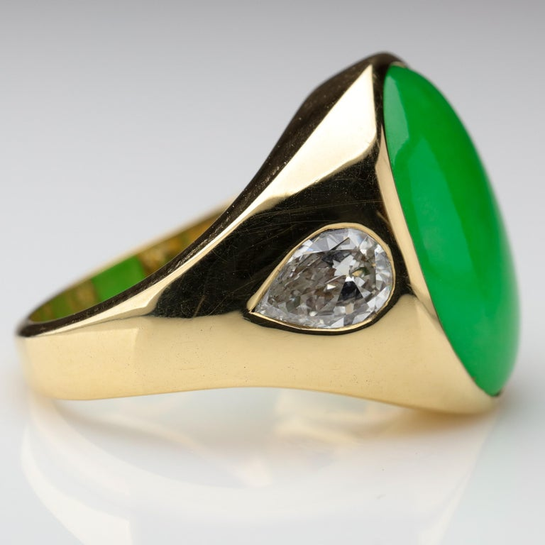 Important Jade Ring with Diamonds Midcentury Untreated For Sale 1