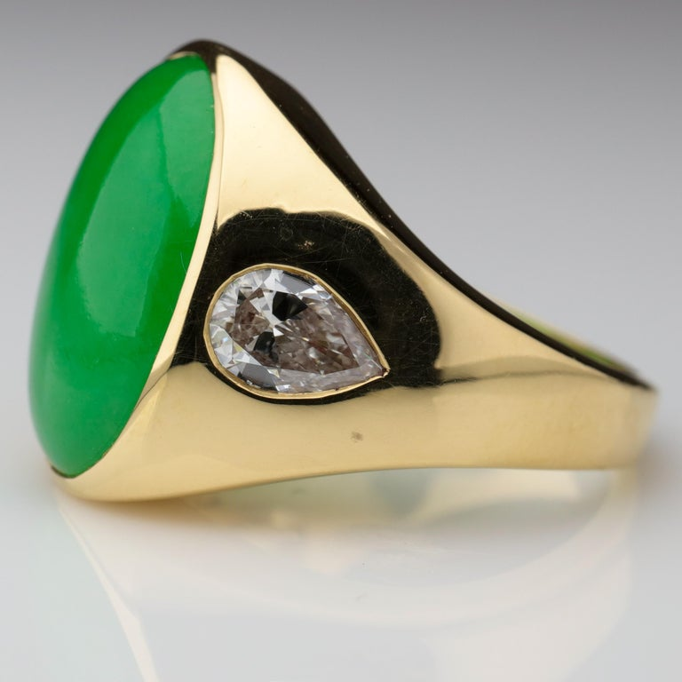 Important Jade Ring with Diamonds Midcentury Untreated For Sale 2