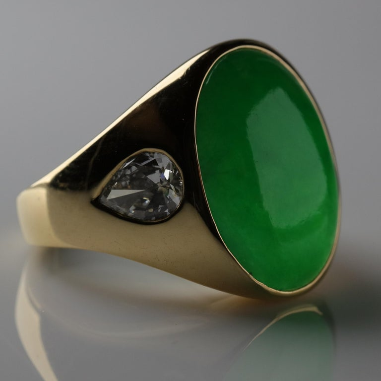 Important Jade Ring with Diamonds Midcentury Untreated For Sale 3