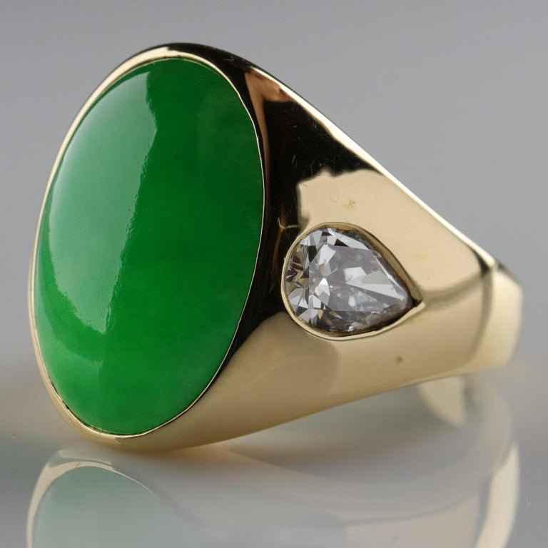 Important Jade Ring with Diamonds Midcentury Untreated For Sale 4