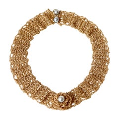 Important Necklace in 18 Karat Gold Knitted Gold Thread adorned with Pearls