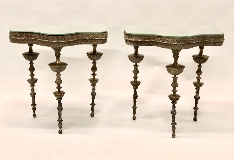 Important pair of Italian modern neoclassical bronze side / end tables / nightstands attributed to Gio Ponti, 1930.