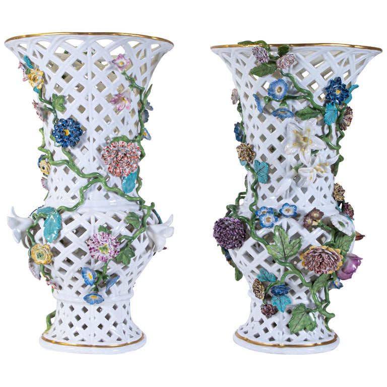 Important Pair of Meissen Porcelain Filigree Vases with Raised Flowers For Sale