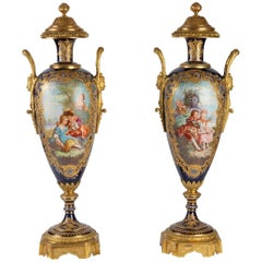 Important Pair of Vase in Sèvres