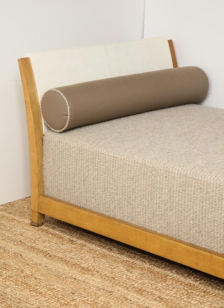 Important Parchment Daybed by Jansen For Sale 3