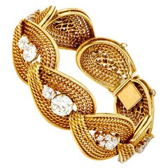 Retro Italian Diamond Bracelet in 18 Karat Yellow Gold