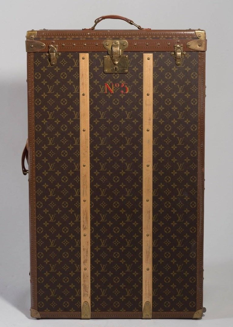 French Louis Vuitton Vintage Luggage Important Set of Five Large Pieces ex Indian Royal For Sale