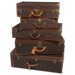 Important Set of Five Large Pieces of Vintage Louis Vuitton Luggage