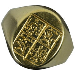 Impressive 18 Carat Gold Family Crest Intaglio Seal Signet Ring