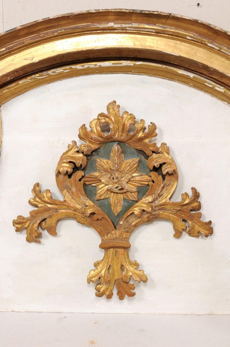 Impressive 18th Century Italian Carved, Gilded & Painted Wood Pediment Fragment For Sale 1