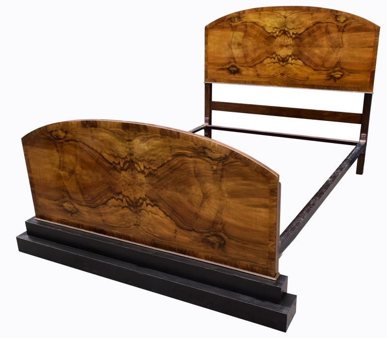 English Impressive Art Deco Walnut Double Bed, circa 1930s For Sale