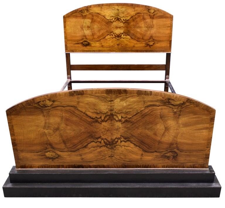 Impressive Art Deco Walnut Double Bed, circa 1930s For Sale 3