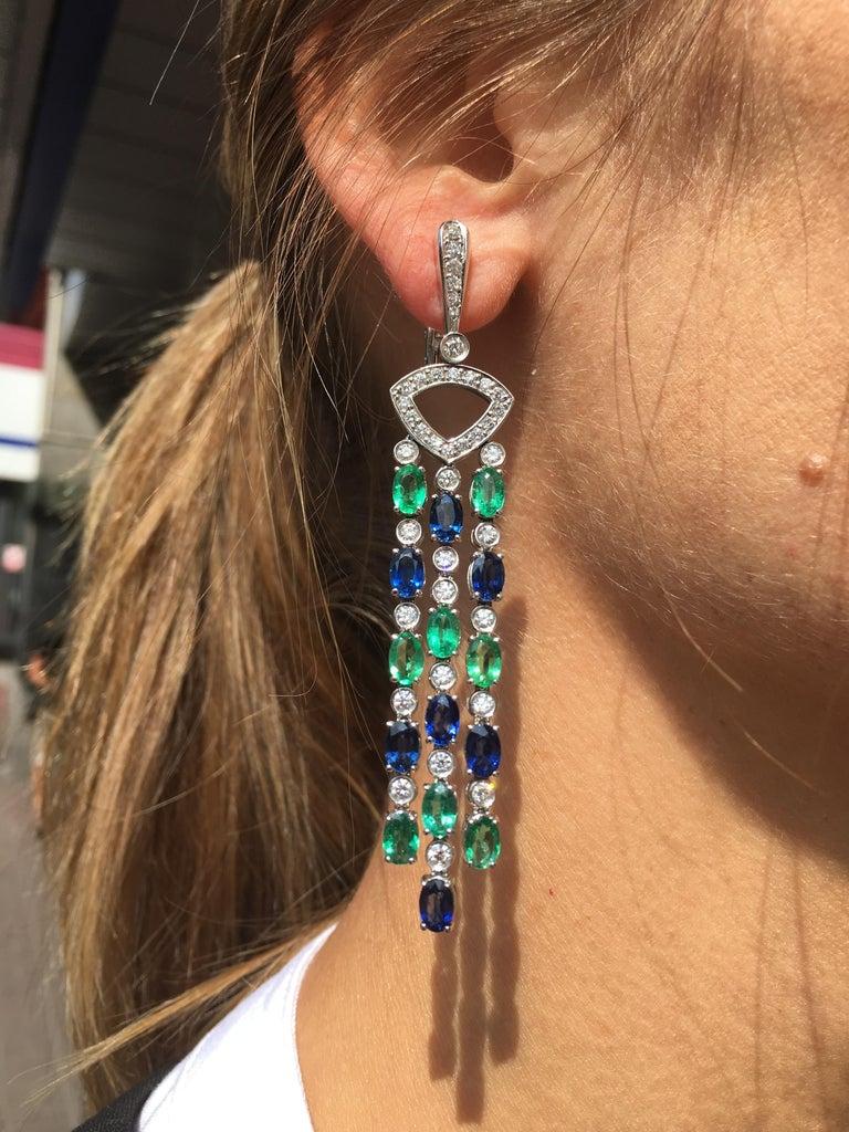 Impressive Blue Sapphire Diamond 18 Karat Emerald Gold Drop Earrings For Sale 1