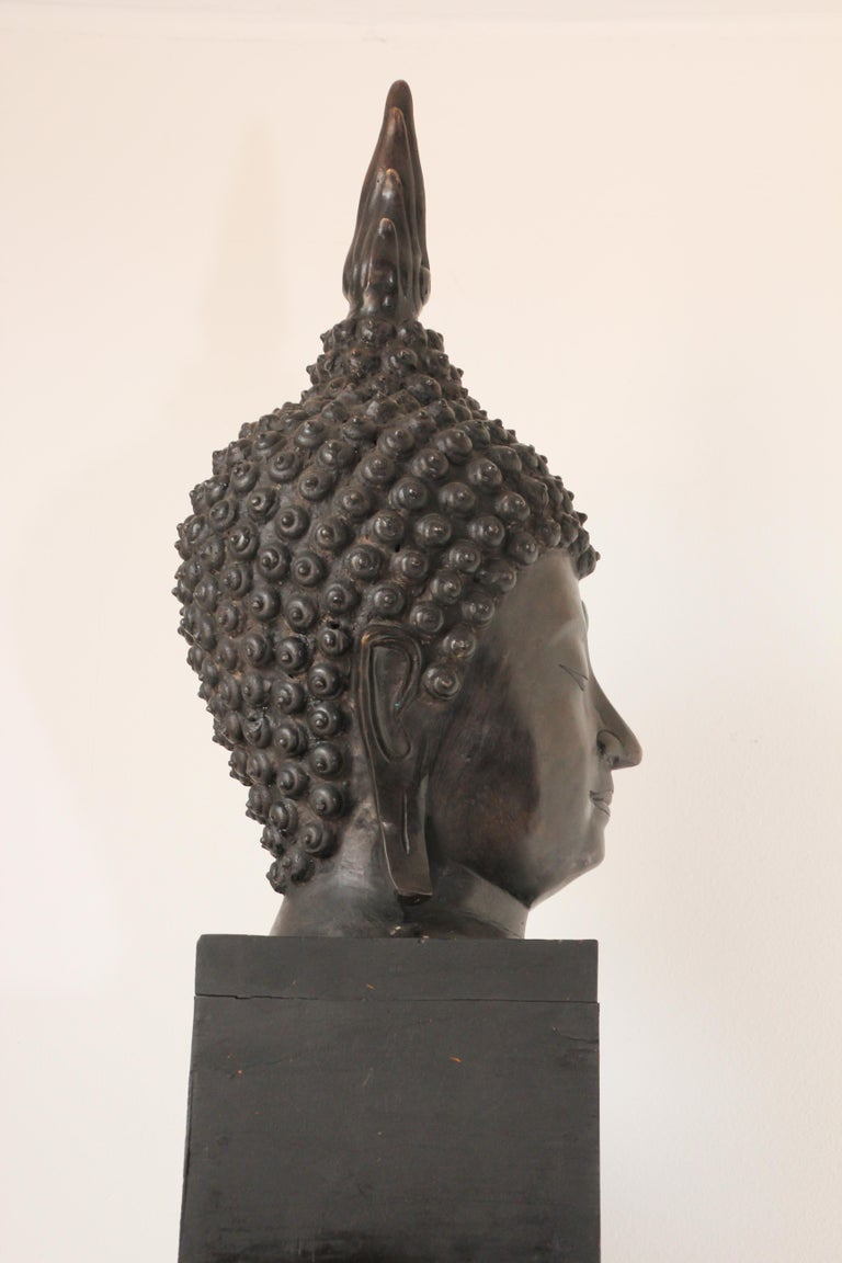 Impressive Bronze Head of Buddha on Pedestal In Good Condition For Sale In North Hollywood, CA
