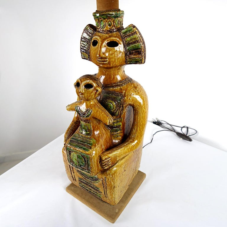 Impressive Ceramic Floor or Table Lamp in Mystic and Majestic Mayan Style In Good Condition For Sale In Doornspijk, NL