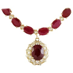 Impressive Diamond 18 Karat Yellow Gold Ruby Pendant Necklace for Her
