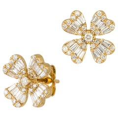 Impressive Diamond White 18 Karat Gold Earrings for Her