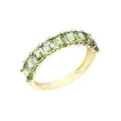 Impressive Green Sapphire Diamond Yellow Gold Ring