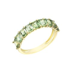 Impressive Green Sapphire Diamond Yellow Gold Ring