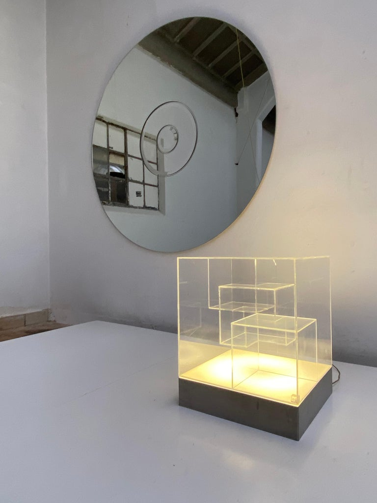 Impressive Italian Acrylic Light Sculpture in the Style of Gianfranco Fini, 1969 For Sale 3