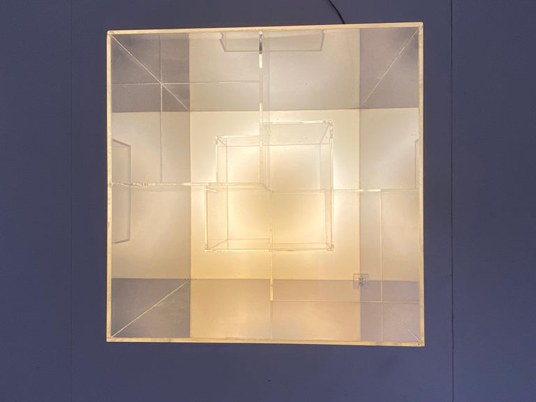 Impressive Italian Acrylic Light Sculpture in the Style of Gianfranco Fini, 1969 For Sale 2