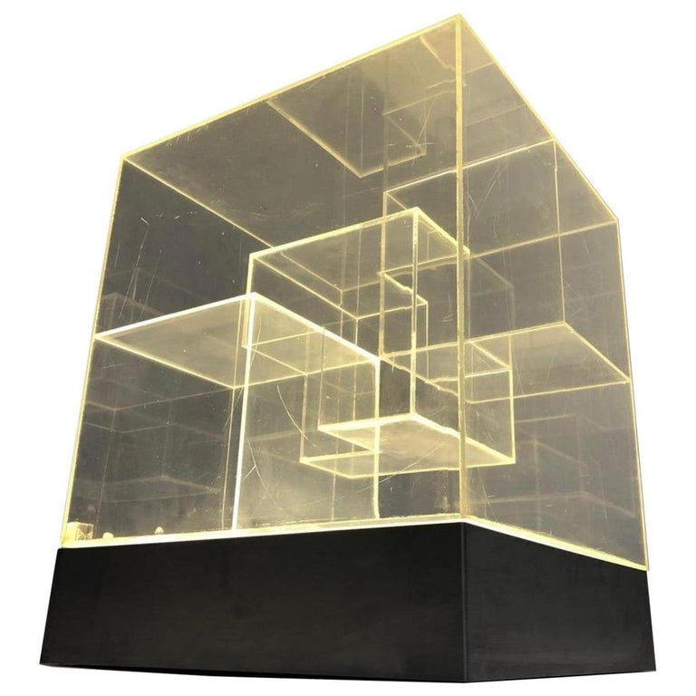 Impressive Italian Acrylic Light Sculpture in the Style of Gianfranco Fini, 1969 For Sale
