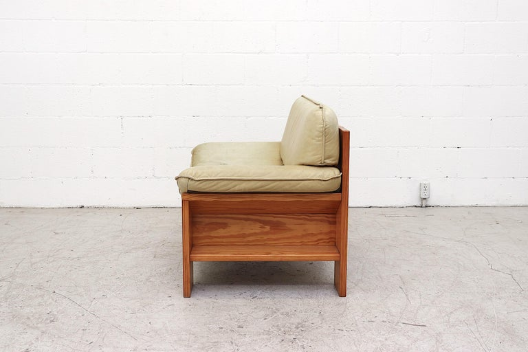 Dutch Impressive Leolux Pine and Leather Lounge Chair For Sale