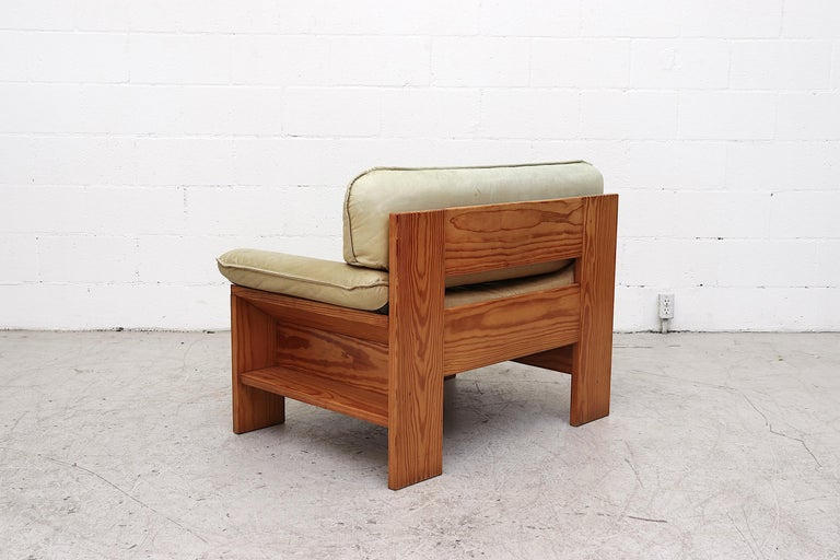 Impressive Leolux Pine and Leather Lounge Chair In Good Condition For Sale In Los Angeles, CA