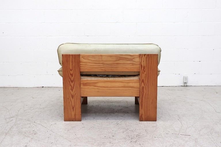 Late 20th Century Impressive Leolux Pine and Leather Lounge Chair For Sale