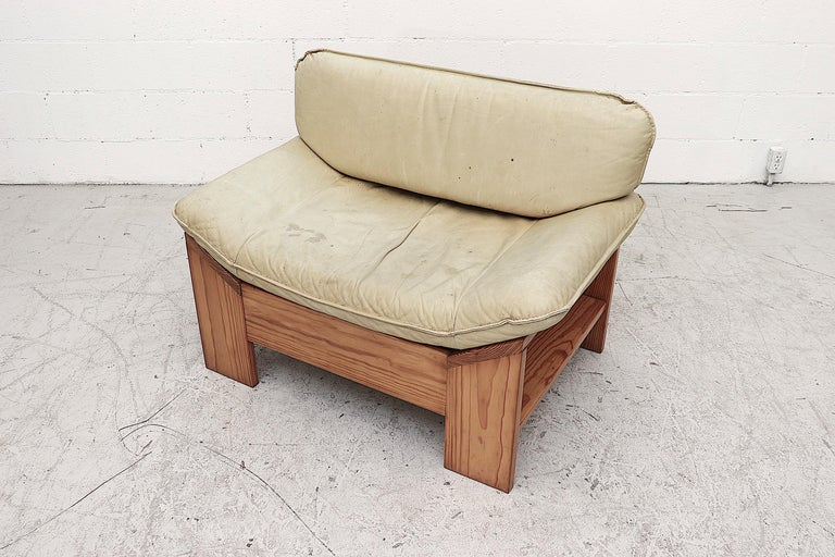 Impressive Leolux Pine and Leather Lounge Chair For Sale 1