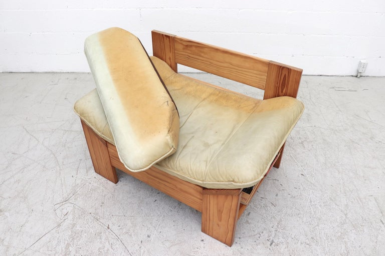 Impressive Leolux Pine and Leather Lounge Chair For Sale 3