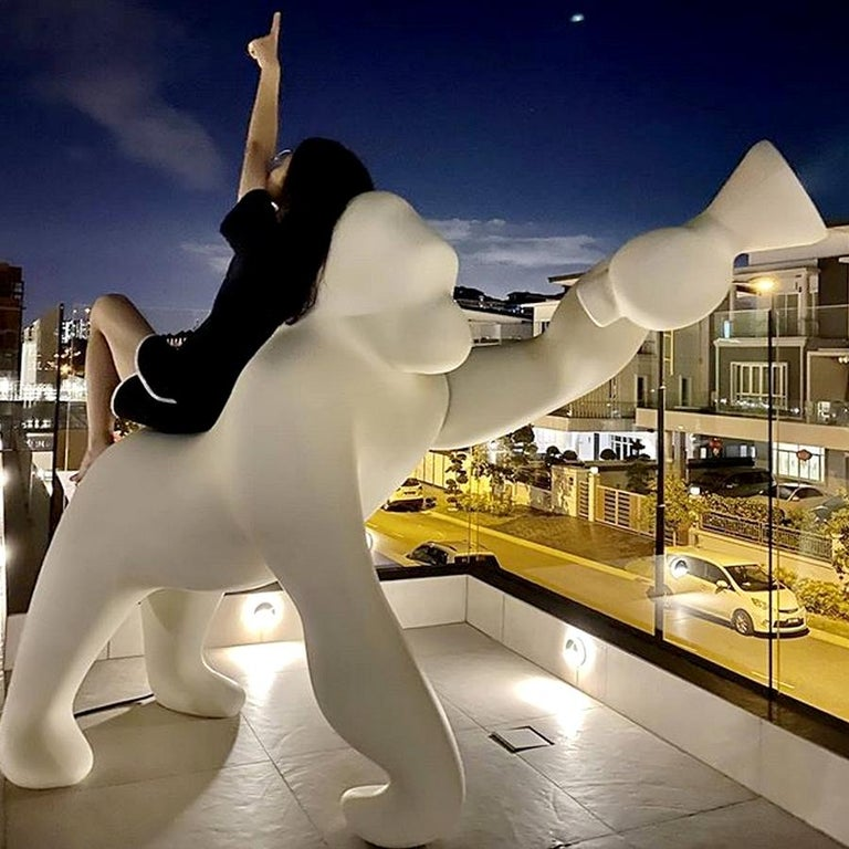 In stock in Los Angeles, Kong Gorilla White Floor Lamp, by Stefano Giovannoni In New Condition For Sale In Beverly Hills, CA