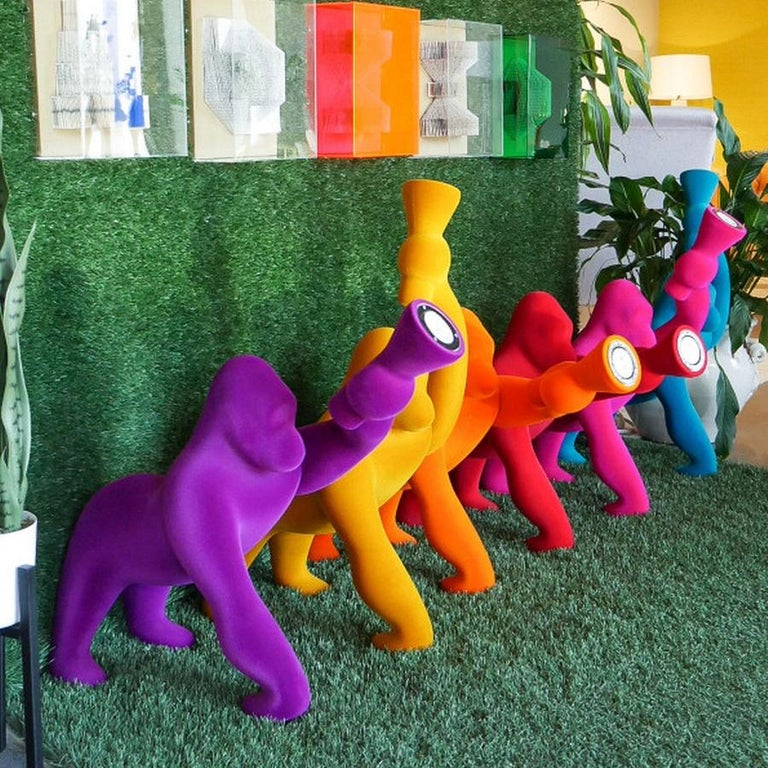 In Stock in Los Angeles, Kong XS, Gorilla Red Velvet Table Lamp For Sale 3