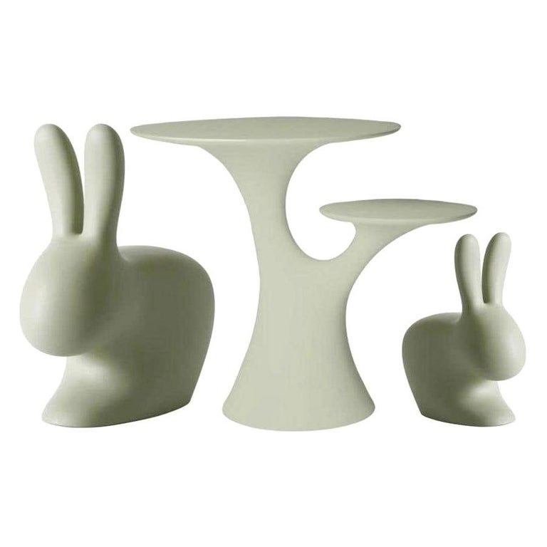 In Stock in Los Angeles Set of Balsam Green Rabbit Chairs and Table For Sale