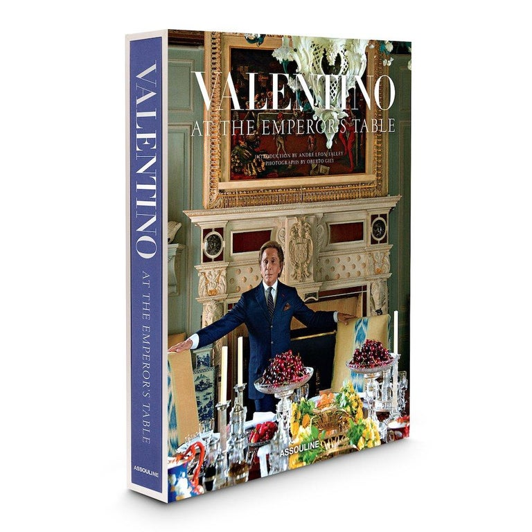 In Stock in Los Angeles, Valentino: At the Emperor's Table by André Leon Talley In New Condition For Sale In Beverly Hills, CA