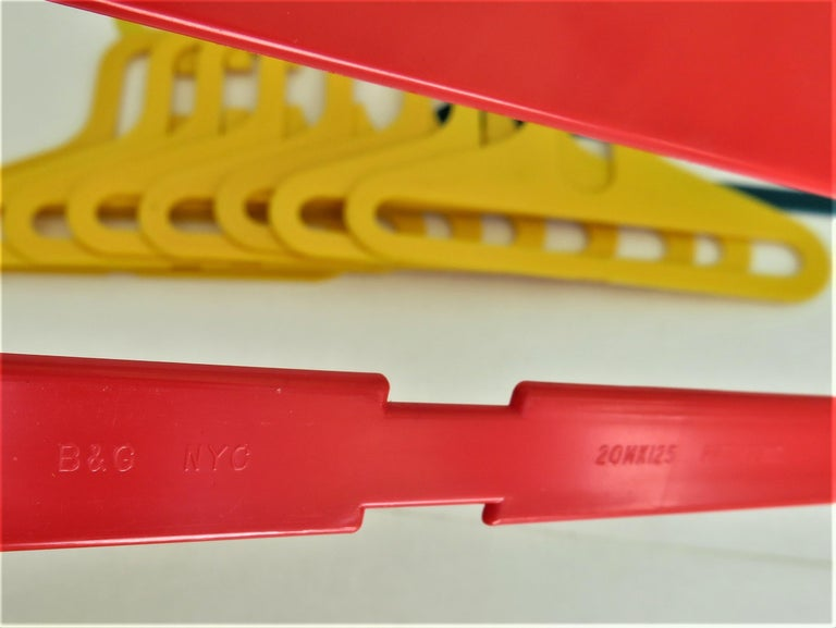 In the Manner Ingo Maurer POP Modern Plastic 11 Children's Clothes Hangers 1970s In Good Condition For Sale In Miami, FL