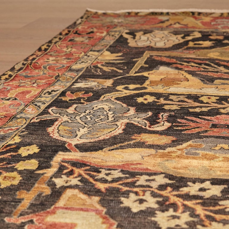 in the Style of Bidjar Old Indian Hand Knotted Wool Large Rug In Good Condition For Sale In Barcelona, Barcelona