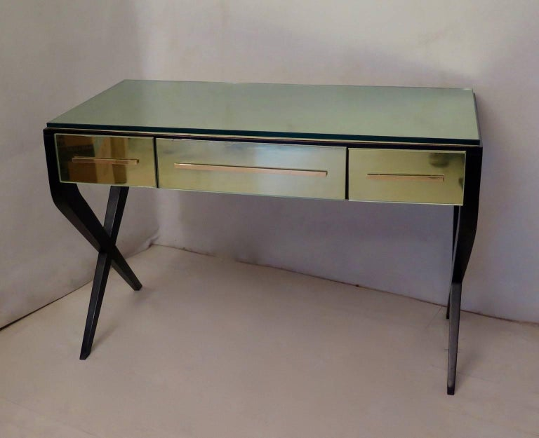 Mid-Century Modern In the Style of Gio Ponti Italian Desk, 1950 For Sale