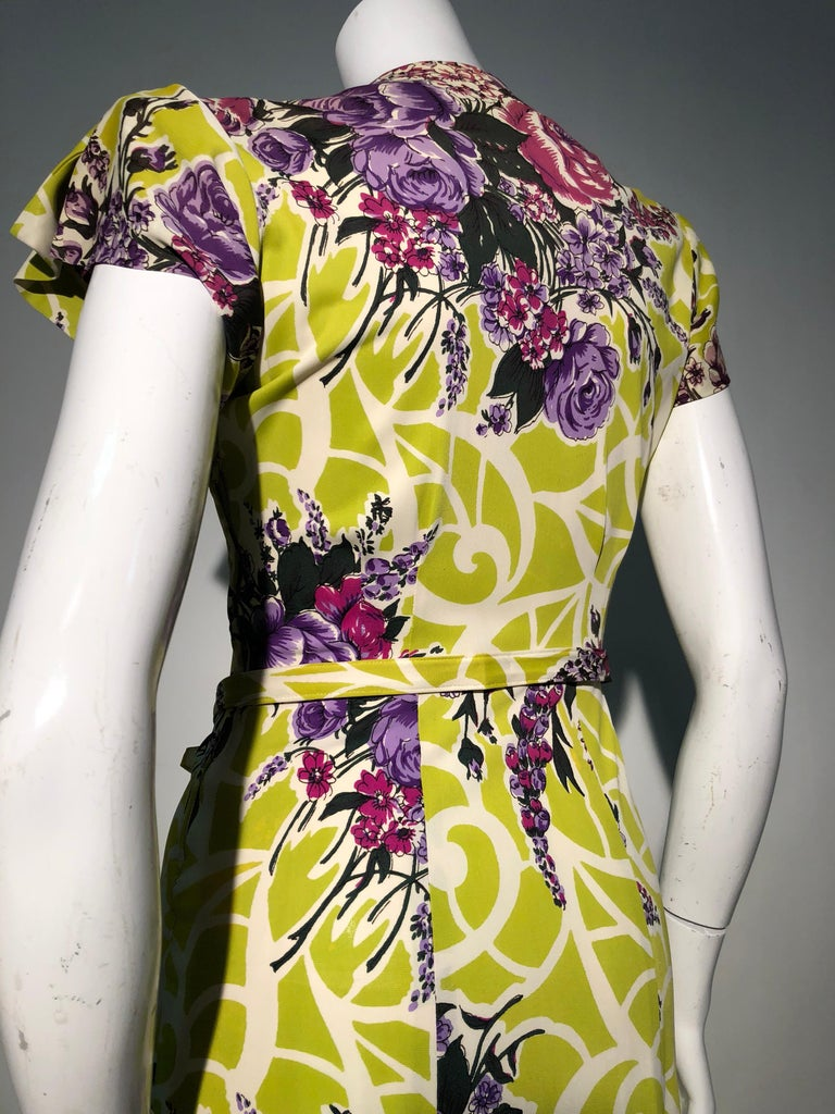 Incredible 1940s Nylon Jersey Swing Dress In A Spectacular Chartreuse and Floral In Excellent Condition For Sale In San Francisco, CA