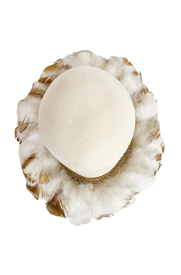 Incredible 1960s Christian Dior Gold Tipped Feather Brim Ivory Hat In Excellent Condition For Sale In Rockwood, ON