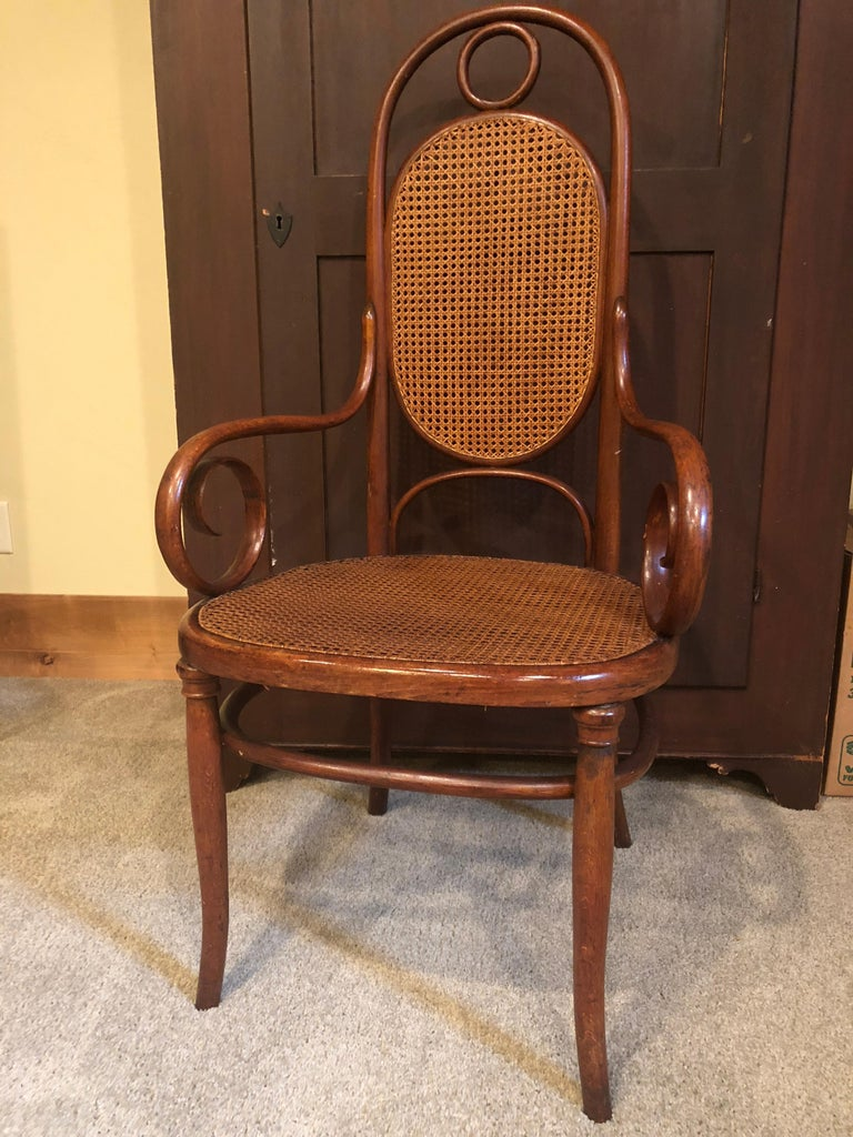 Spectacularly stunning set of 6 Thonet Bentwood #17. In excellent condition, well cared for, all original with cushions for reupholstery. Very rare to find the armchairs that sit at the head of the table. The set is absolutely fabulous.