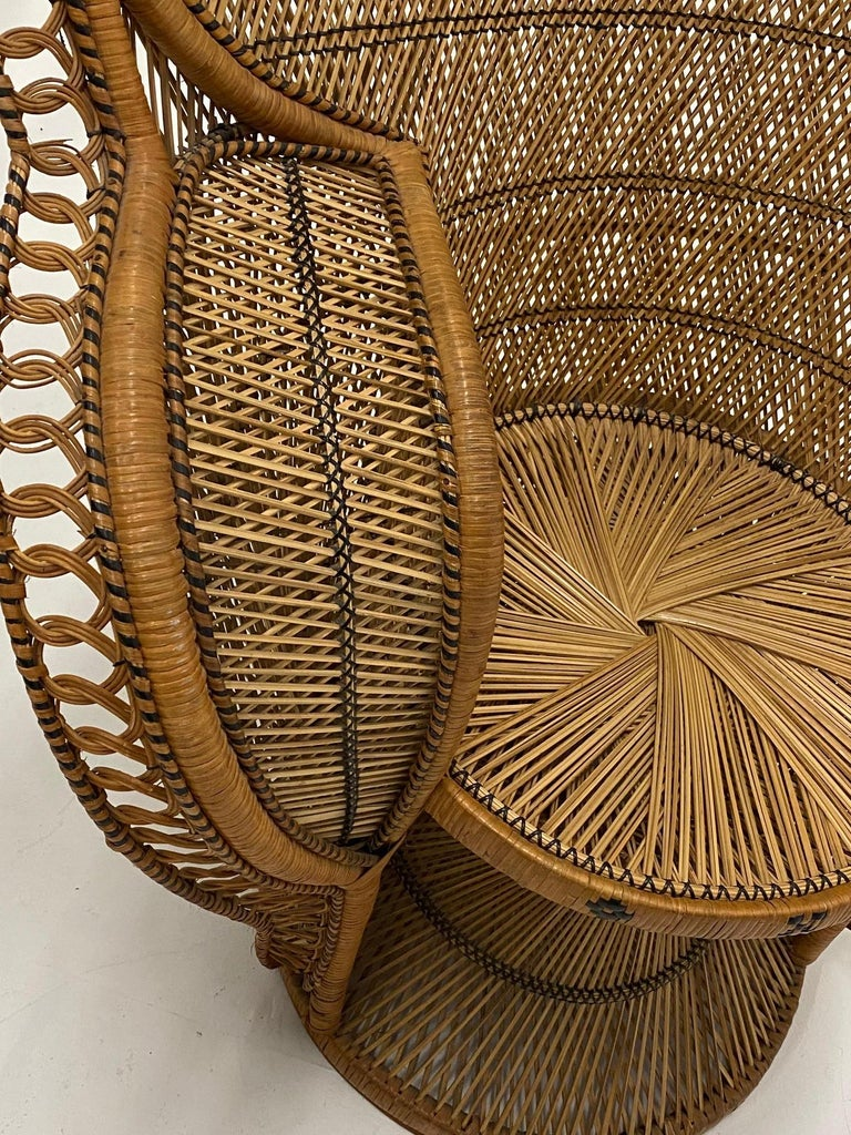 Incredibly Detailed Impressive in Scale Rattan Cobra Peacock Chair For Sale 5