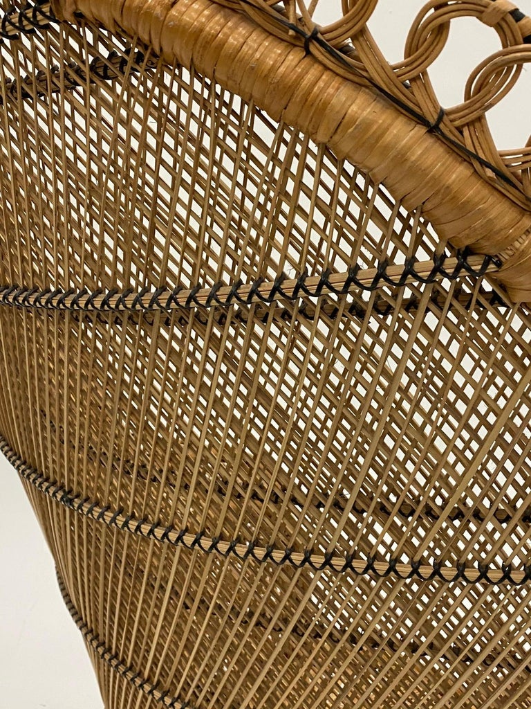 Incredibly Detailed Impressive in Scale Rattan Cobra Peacock Chair For Sale 6